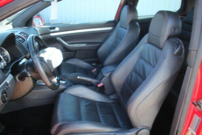 fast 2008 Volkswagen R32 Hatchback 3.2L repairable