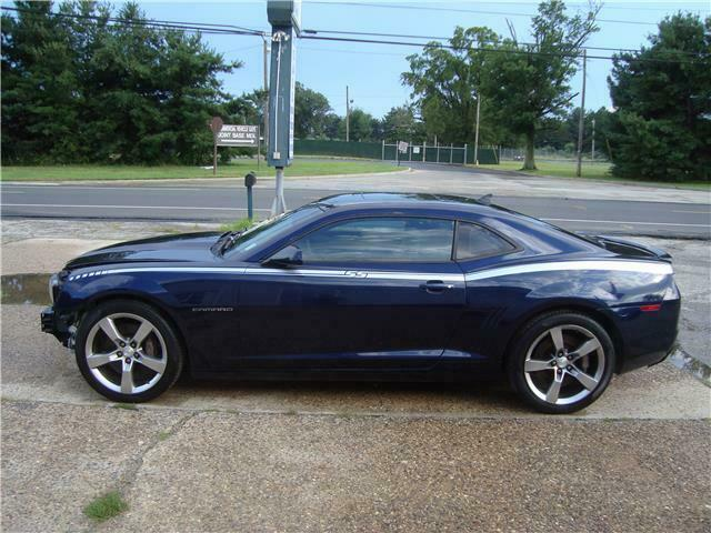 low miles 2011 Chevrolet Camaro 2SS V8 Repairable