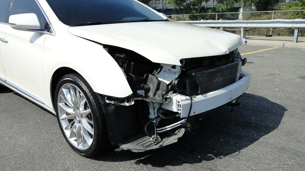 luxurious 2013 Cadillac XTS Platinum repairable
