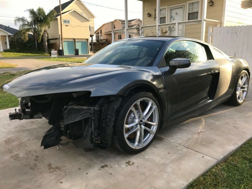 front collision 2014 Audi R8 Coupe repairable