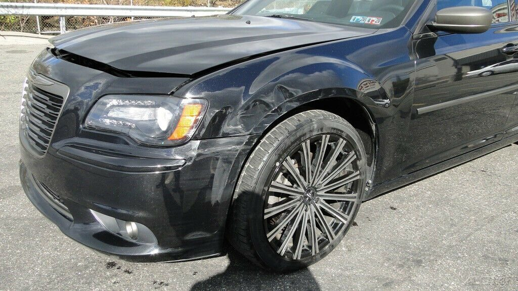 luxurious 2014 Chrysler 300 Series John Varvatos Luxury repairable
