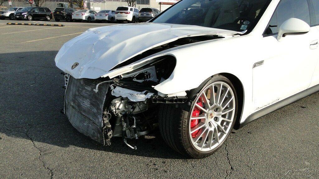 loaded 2013 Porsche Panamera GTS 4.8L V8 AWD repairable
