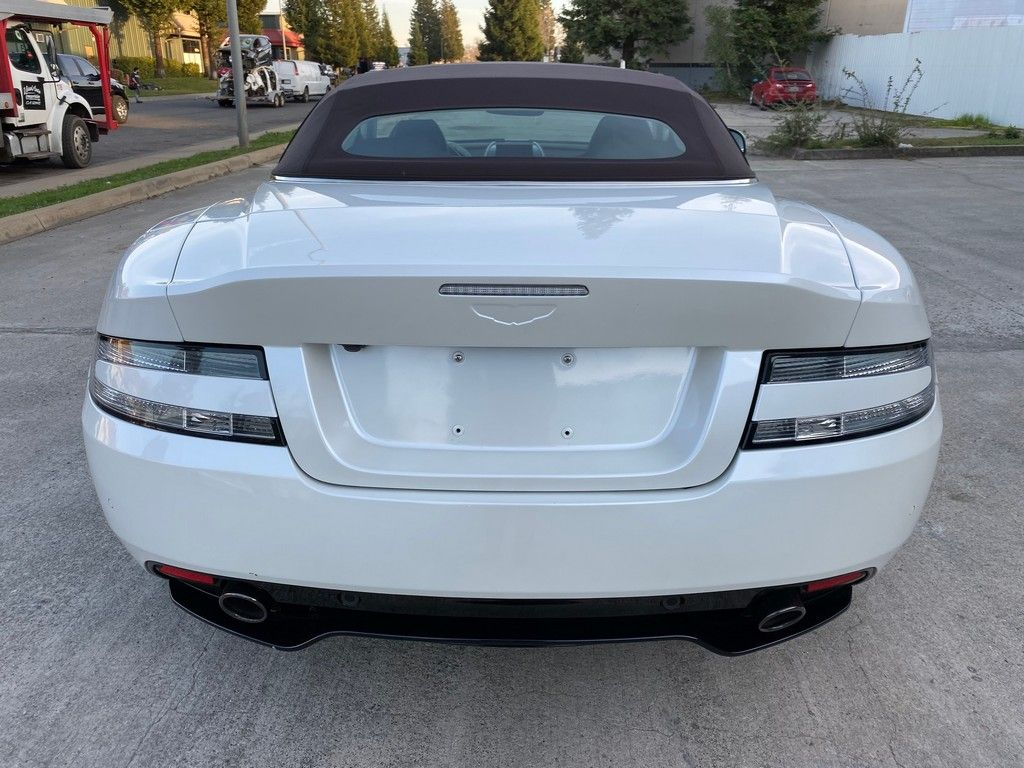 fully loaded 2016 Aston Martin DB9 Gt/convertible 6.0L/12V repairable