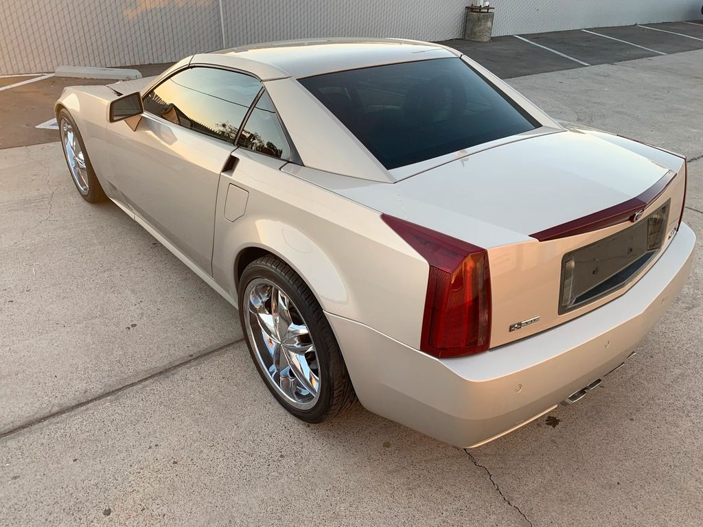 loaded with options 2006 Cadillac XLR Hard Top Convertible repairable