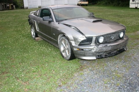 5 speed manual 2008 Ford Mustang repairable for sale