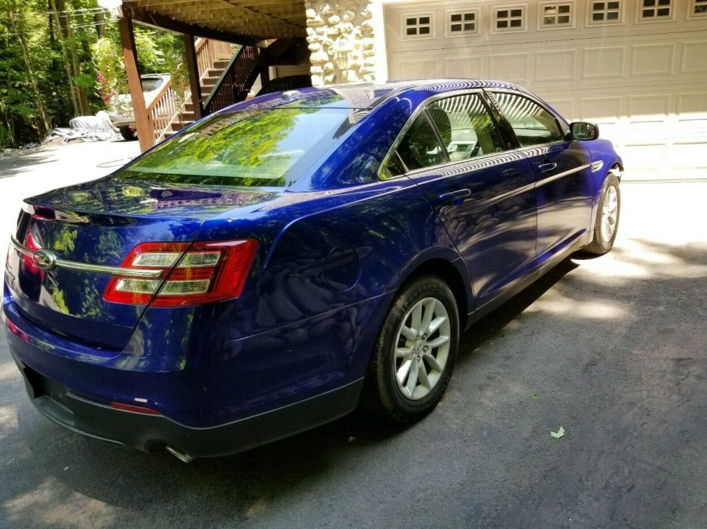 easy fix 2013 Ford Taurus repairable
