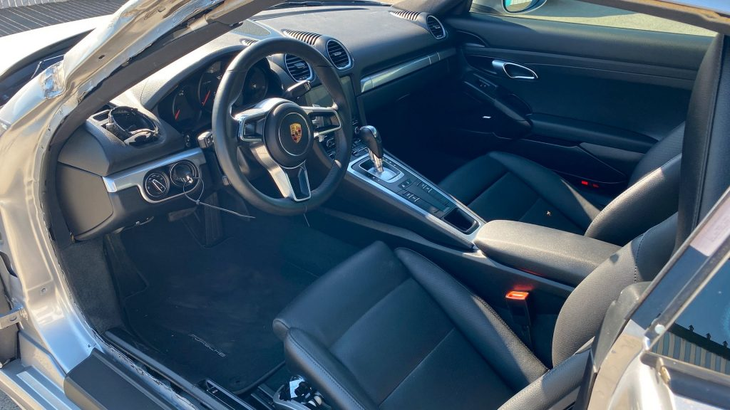 loaded with options 2018 Porsche Cayman 718 repairable